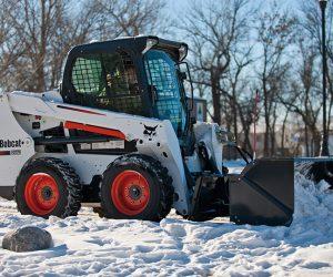 S550 Bobcat Kompaktlader Anbaugeraet Schneeschieber