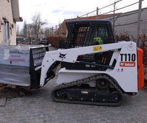T110 Bobcat Kompaktraupe Anbaugeraet Palettengabel