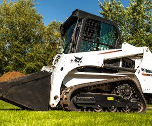 T450 Bobcat Kompaktraupe Anbaugeraet Schaufel 1 First